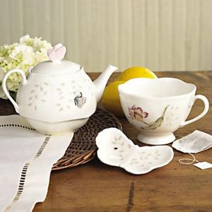 Lenox Butterfly Meadow Stackable Tea Gift Set