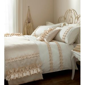 Catherine Lansfield Ruffle King Size Bed Quilt Cover Set