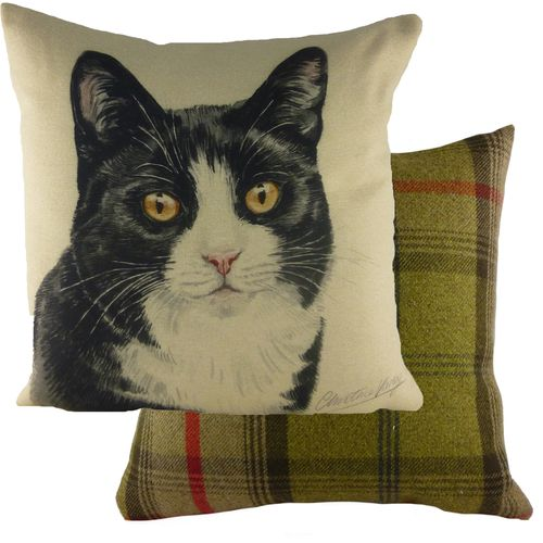 Evans Lichfield Waggydogz Cushion: Black/White Cat 43cm x 43cm