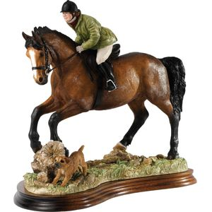 Border Fine Arts Classic Figurine - A Good Day Out (Brown Bay Horse)