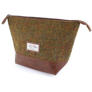 Harris Tweed Travel Wash Bag PU Trim: Stornoway Brown