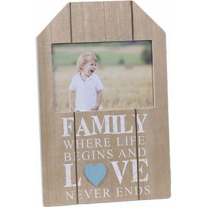 """Wooden Senitiment Photo Frame 6"""" x 4"""" - Family"""