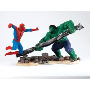 Marvel Spider Man Vs Hulk Figurine