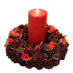 Christmas Wreath & Red Candle 24cm - Flowers & Cones
