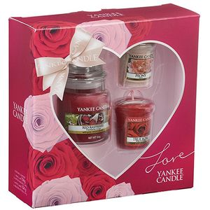 Yankee Candle Gift Set: Love (1 Small Jar & 2 Votives)