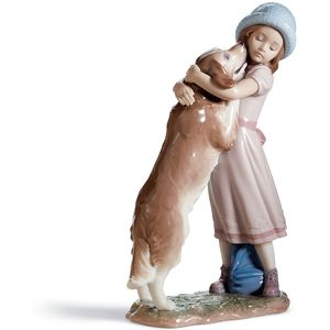 Lladro A Warm Welcome Figurine