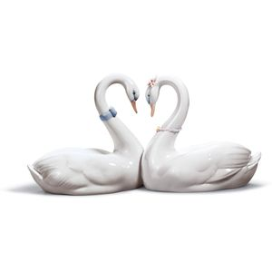 Lladro Endless Love Figurine