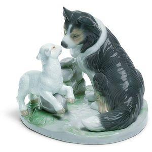 Nao Countryside Companions Figurine (Lamb & Border Collie)