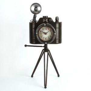 Metal Case Mantel Clock (Camera)