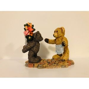 Country Artists Sherratt & Simpson Figurine - Bears: A Special Day