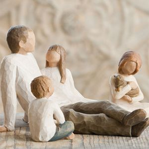 Willow Tree Figurines Set Father with Son and Two Daughters Option 3